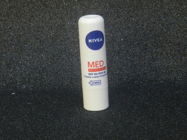 lip care nivea6 med
